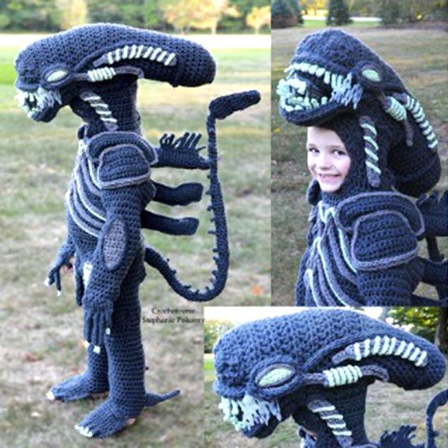Halloween Alien by crochetverse
