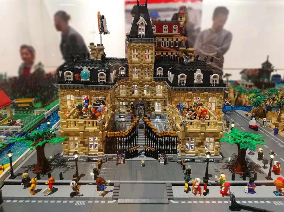 city booming monza lego palazzo